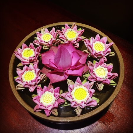 Raffles Grand Hotel d'Angkor: Lotus flower bowl. It's all in the details.