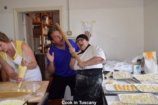 Montefollonico, Italia: Cook in Tuscany at La Chuisa with Antoinette