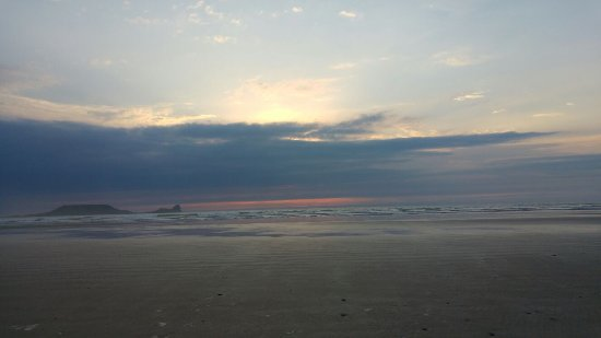 Rhossili Bay: The sun was hiding in clouds as it was setting