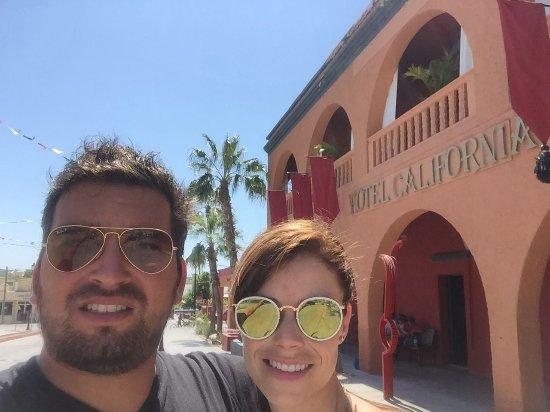 Hotel California: FACHADA DEL HOTEL