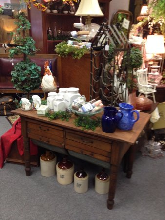 Court Street: THE EMERALD FOREST ANTIQUES
