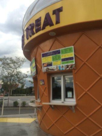 Twistee Treat: photo3.jpg