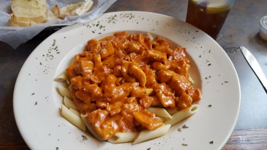 East Windsor, CT: Chicken & Bacon Rose Penne