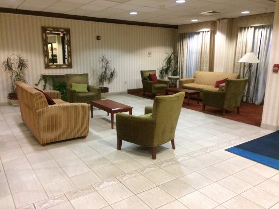 Woonsocket, RI: Adjacent to lobby