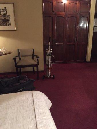 Rey Palace: Equipamento de oxigênio dentro do quarto