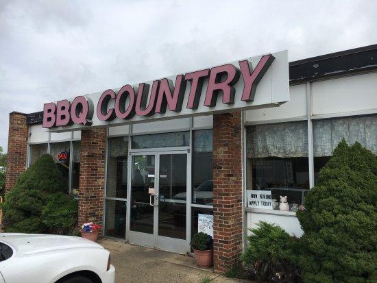Warrenton, VA: BBQ Country