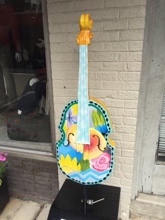 Mount Airy, NC: Decorated guitars along Main St