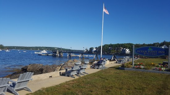 East Boothbay, ME: We loved the Adirondack chairs.and the view. Perfectly Maine