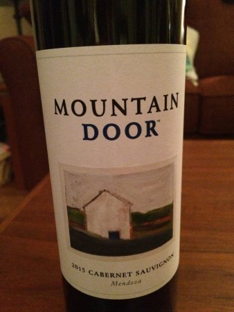 Onalaska, WI: Great New Wine Mountain Door from UnWine'd