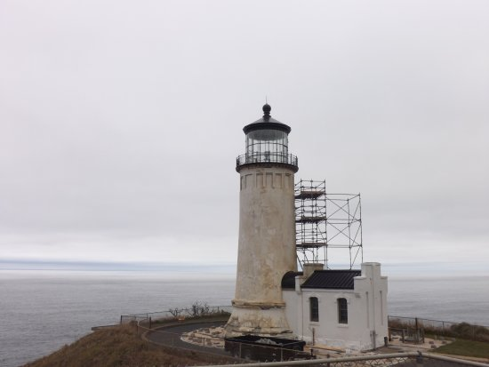 Ilwaco, WA: Lighthouse being repaired