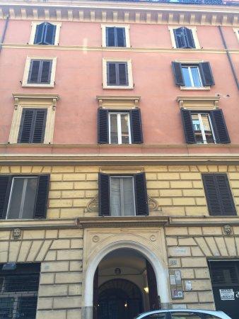 ريزيدنزا بورغيزي - جيست هاوس: Fachada de Residenza Borghese