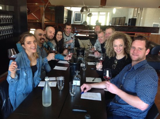 Small Winemakers Centre : Group tastings in the Icon Lounge