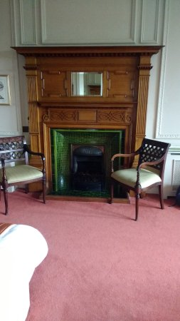 Merewood Country House Hotel: Fireplace.