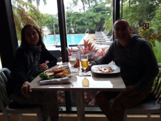 Regency Hotel Miami: tambien cuenta con un pequeño restaurante para poder comer y tomar unos tragos