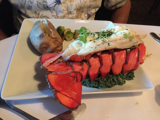 Kayo's Dinner House & Lounge: Lobster Dinner at Kayo's Bend, OR