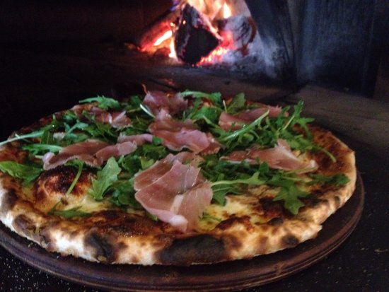 Windsor, Australien: wood fired pizza coming soon