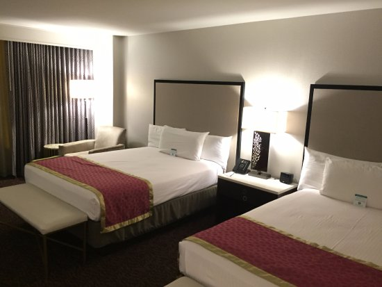 Suncoast Hotel and Casino: 1a. bedroom