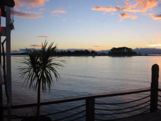 The Boathouse Society : sunset