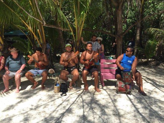 Muri, Islas Cook: Local band