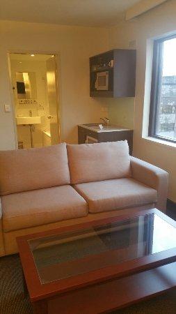 Travelodge Hobart: Executive Room Sitting area