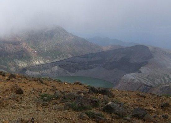 Miyagi Prefecture, Japan: 五色岳の噴火口がお釜になったんですね