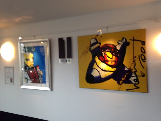 WestCord Art Hotel Amsterdam: Landing with artworks