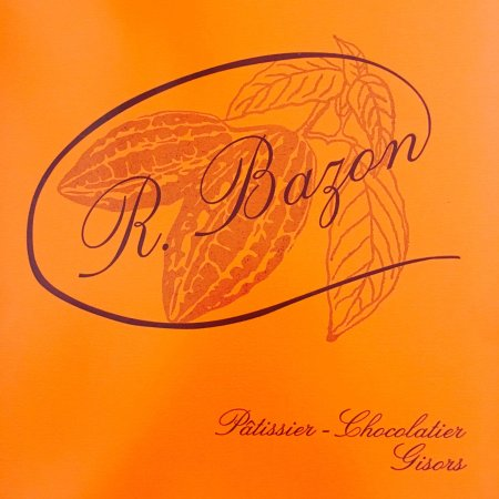 Gisors, Francja: Après 20 ans d'existence, la Pâtisserie Bazon se met à la page.