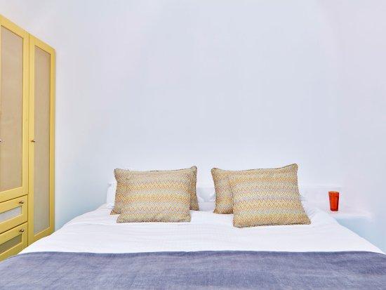 Astra Suites: BEDROOM