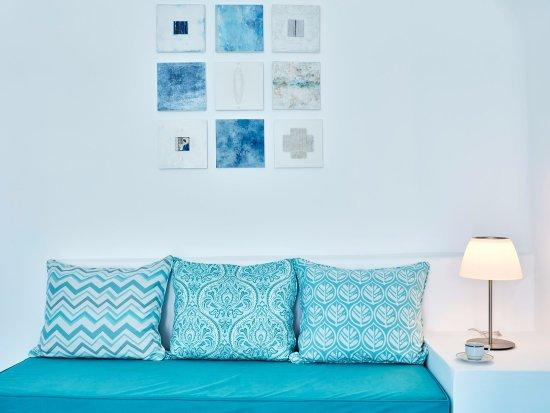 أسترا سويست: SITTING ROOM