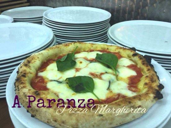 Le nostre pizze con impasti a lunga lievitazione e l'utilizzo di farine speciali!!