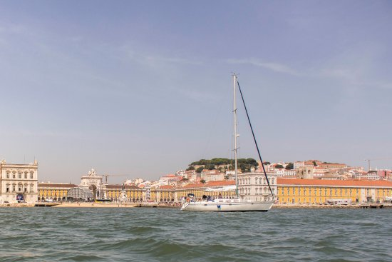 Lisbon Sailing Daily Tours