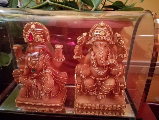 Bhoj Indian Restaurant: Deities at the restaurant