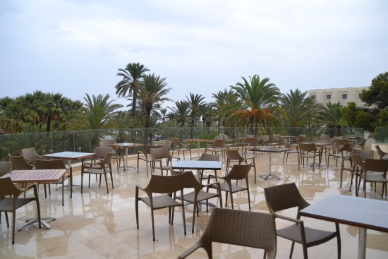 Marhaba Club Hotel : Веранда лобби-бара корпуса Resort