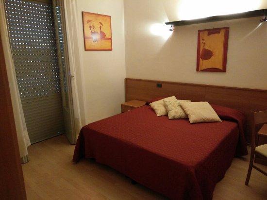 Hotel Tirrenus Perugia: IMG_20160919_184644_large.jpg