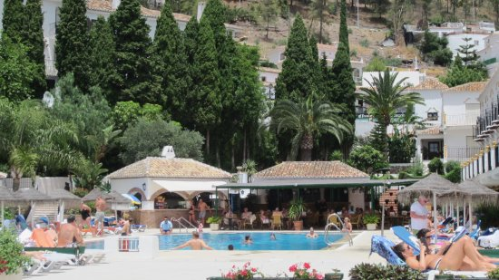 TRH Mijas: Pool and outside Bar