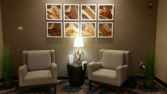 Holiday Inn Express Hotel & Suites Farmington: 20160916_184659_large.jpg