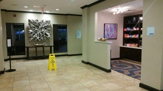 Holiday Inn Express Hotel & Suites Farmington: 20160916_184655_large.jpg