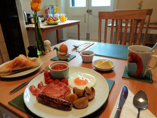 Workington, UK: All rates include a choice of cooked breakfast