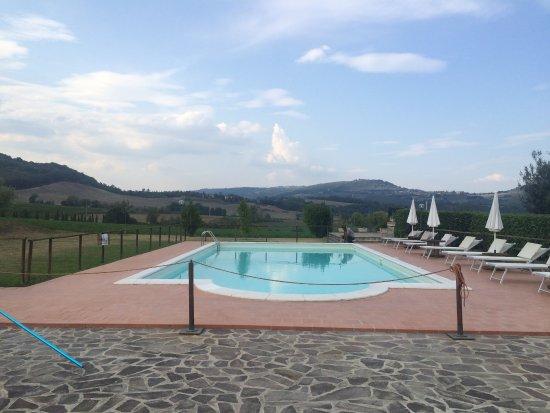 Agriturismo la locanda dell 39 olmo updated 2017 farmhouse reviews price comparison orvieto for Hotels in orvieto with swimming pool