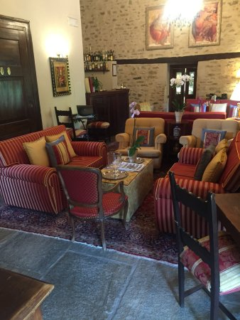 Sinio, Italia: lobby area
