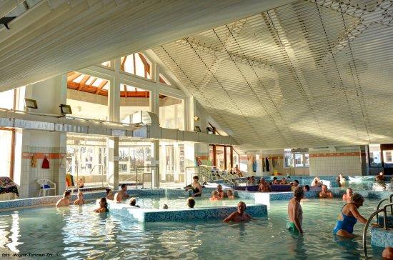 Mezokovesd, Ungheria: Fedett gyógymedencék / Indoor medical water pools