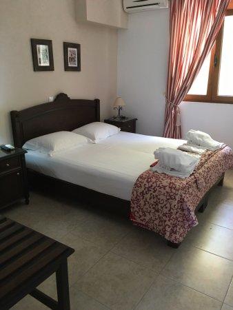 Porto Kalyves Hotel Seaside Apartments: Это чудесный уютный и семейный отель!