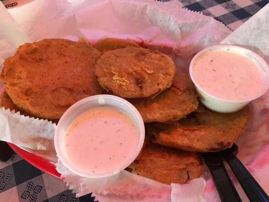 Muscle Shoals, AL: Fried Green Tomatoes, a Southern must!