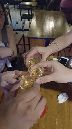 Balanga City, Filippijnen: Esquinita Kitchen & Pub