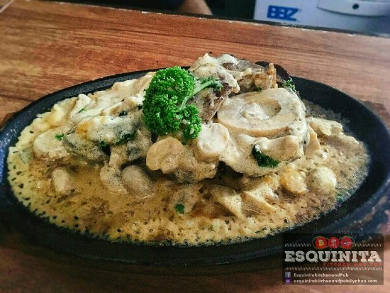 Balanga City, Filipinler: Esquinita Kitchen & Pub