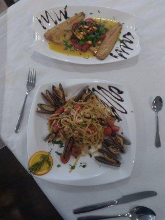 restaurant oaz durres filet fish sea food spaghetti