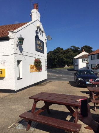 Driffield, UK : The Black Horse Inn at Atwick
