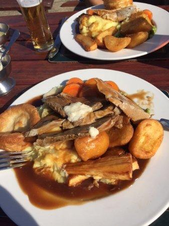 Driffield, UK: Sunday Roast at The Black Horse Inn