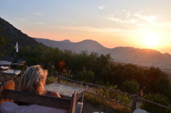 Pigna, Francia: vue de la terrase