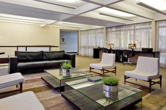 SIA Park Executive Hotel : Business Center